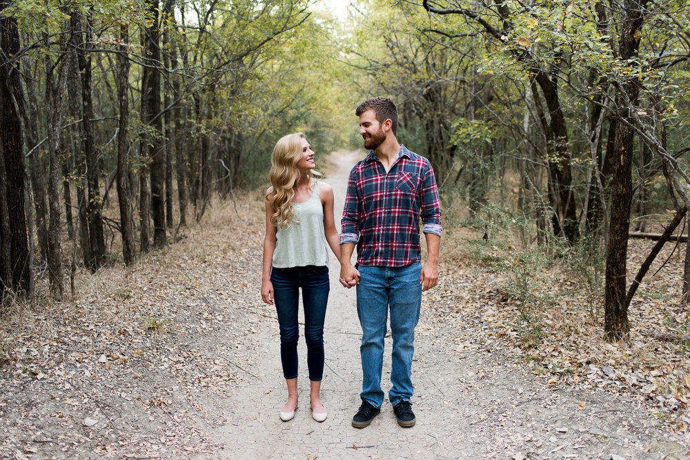 josh - lindsey - engagement - photos - alrington - texas - river - legacy - park-21.jpg