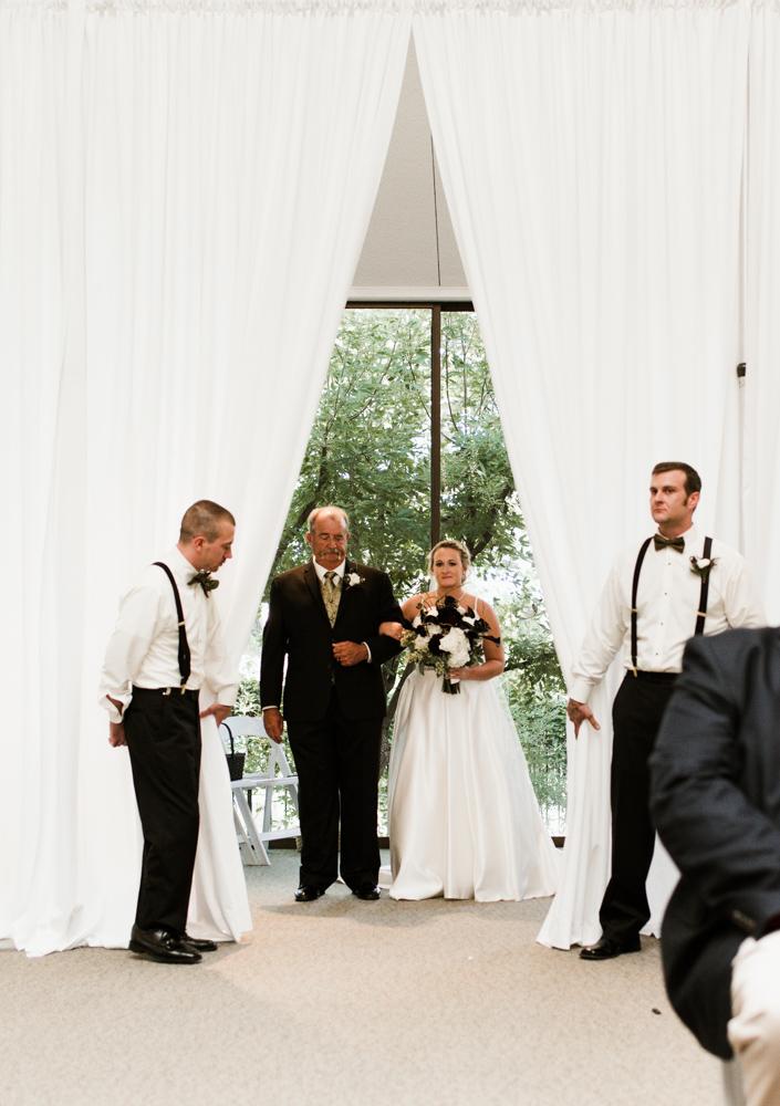 stonegate-mansio-fort-worth-wedding-callie-jeremy-16.jpg