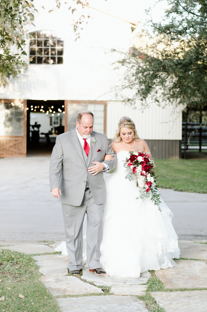 classic-oaks-ranch-mansfield-wedding-kaitlin-chris-14.jpg