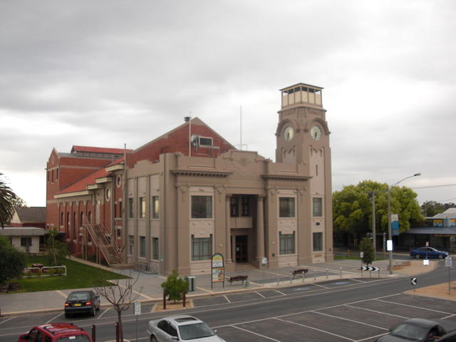 Yarrawonga town hall festival of 1000 voices concert venue.jpg