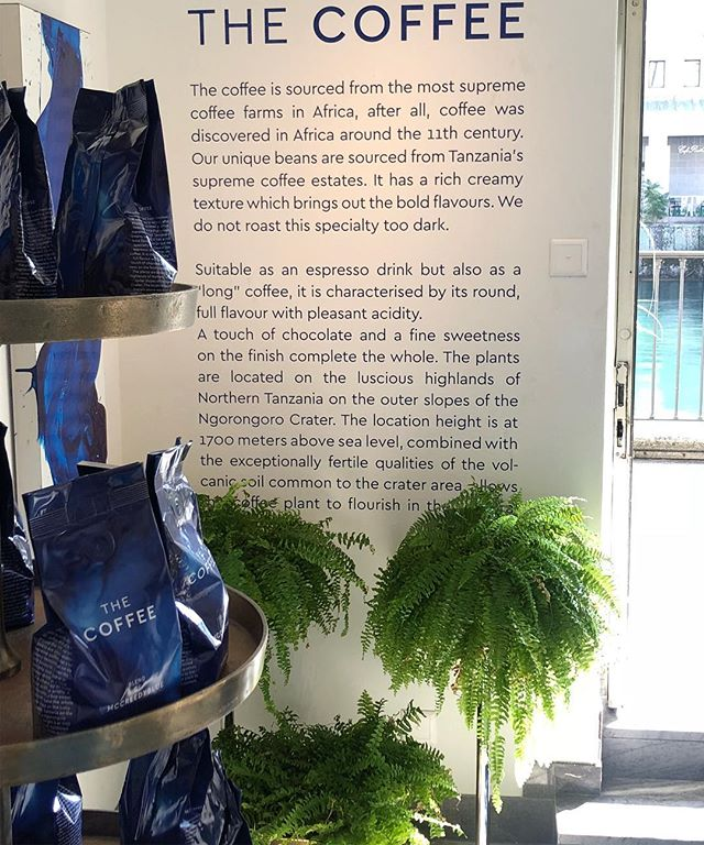 Our freshly packed bags sitting beautifully next to the fresh greenery, along the banks of the cleanest river in the world. . . . #coffeebeans #coffeetime #arabica #switzerland #zurich #thecafezurich #thecafe #mccreedyworld #contemporaryart #blendofmccreedyblue  #butfirstcoffee
