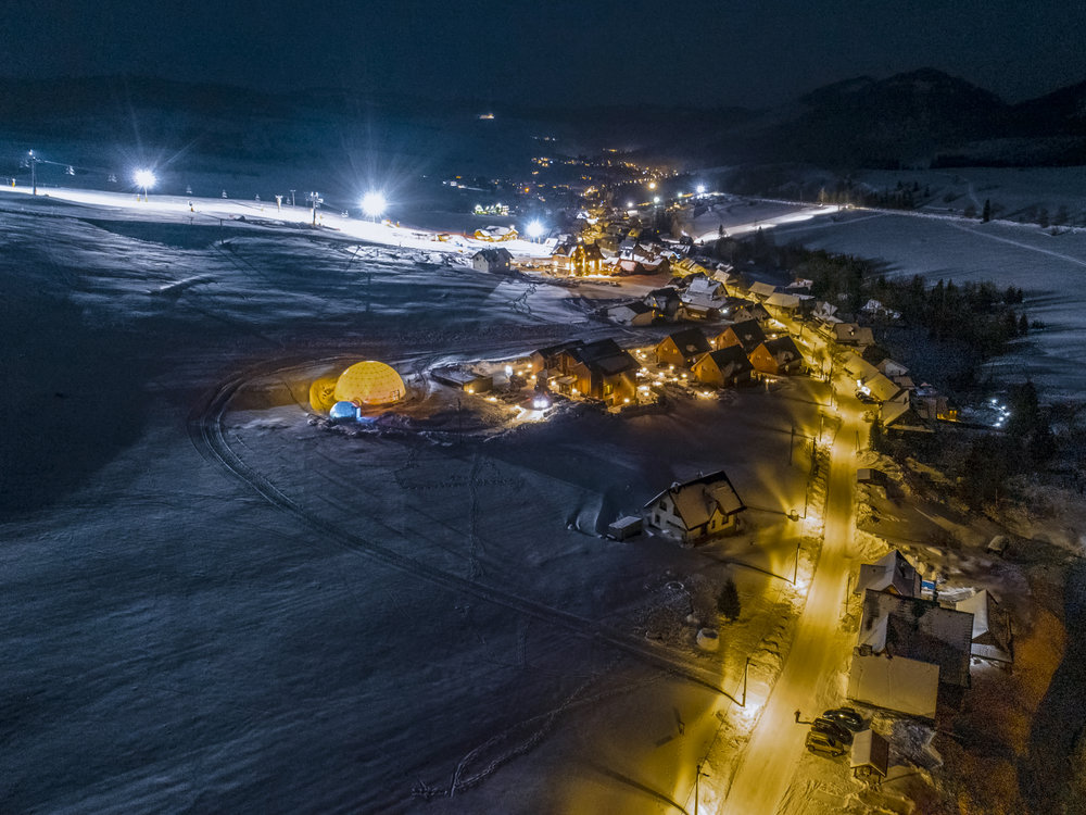 svetelny-dom-zdiar-exts-zima-2019-drone-v01-007.jpg