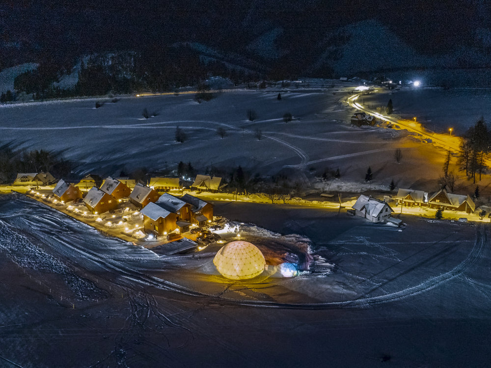 svetelny-dom-zdiar-exts-zima-2019-drone-v01-006.jpg