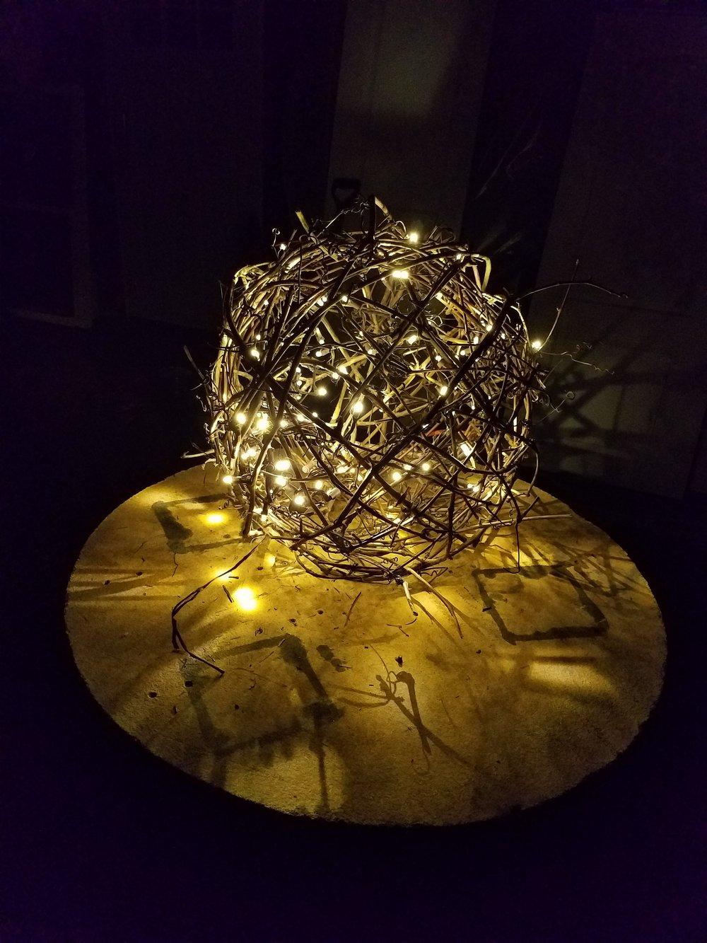 lit twig globe