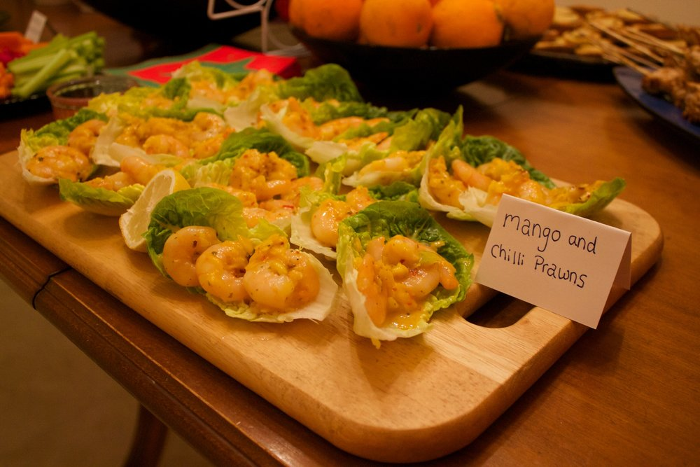 Christmas diet foods the Who Dares Slims way: mango & chilli prawns in lettuce cups