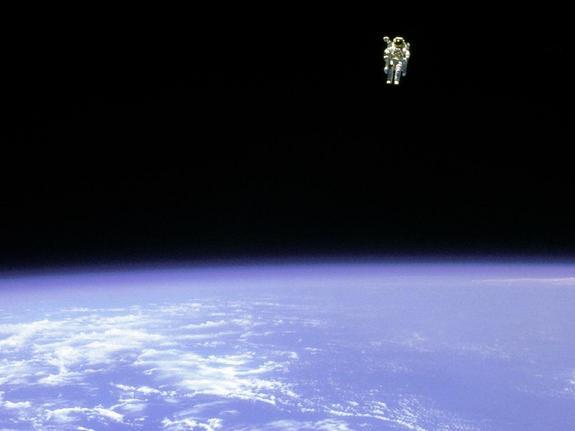 lone-astronaut-111107