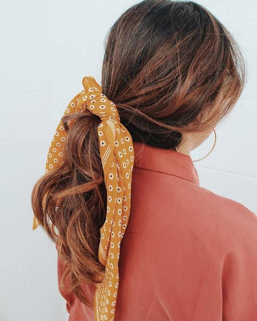 Silk Scarf - I'm a sucker for a good scarf and think these are so pretty around your neck or tied around your ponytail. I absolutely love these from Madewell!