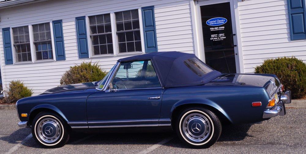 1970 Mercedes- MB 230.jpg