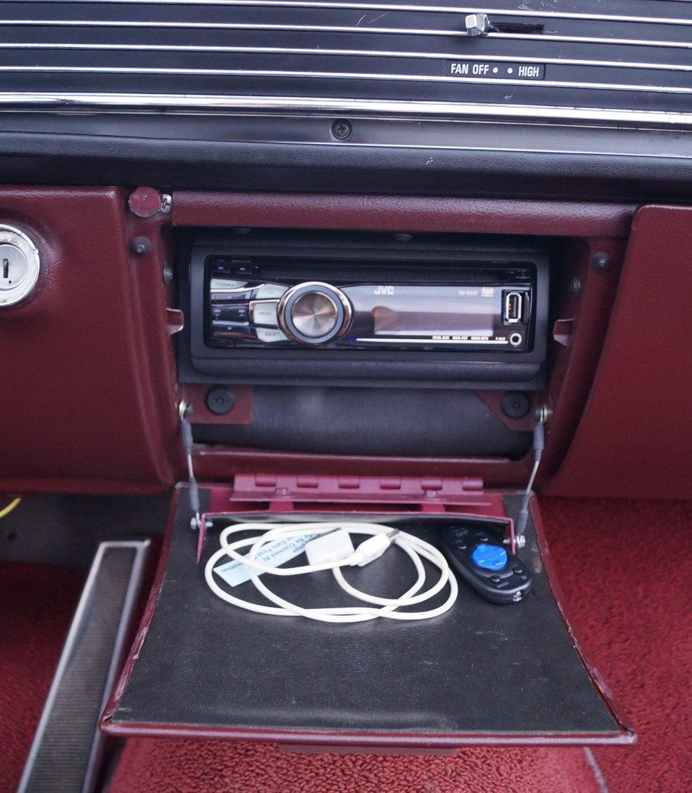 1965 Lincoln.JPG