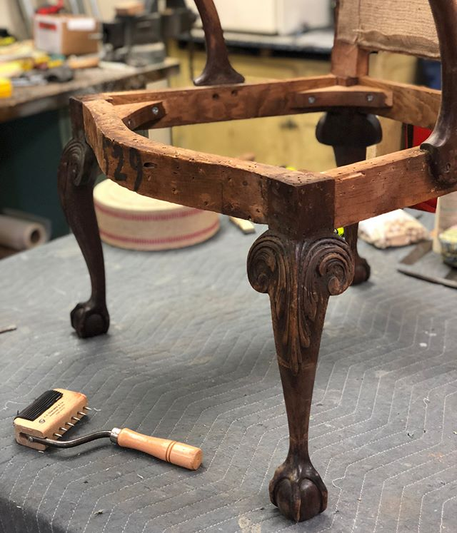 We had to take this chair down to its bones before re-building it, for a sturdy frame with a long life! Swipe to see the process ➡️ • #kennedycustomupholstery #kcu #process #furniture #interiordesign #ocnj #fabricationlife #workshop #customfurniture #fabricstore