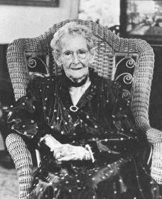 grandma-moses-pic.jpg