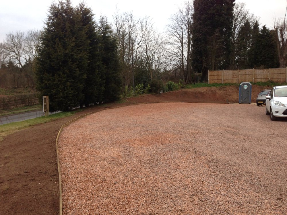 Forest of Dean stone chippings with wood edging - Froome Lodge, Stourton, Staffordshire