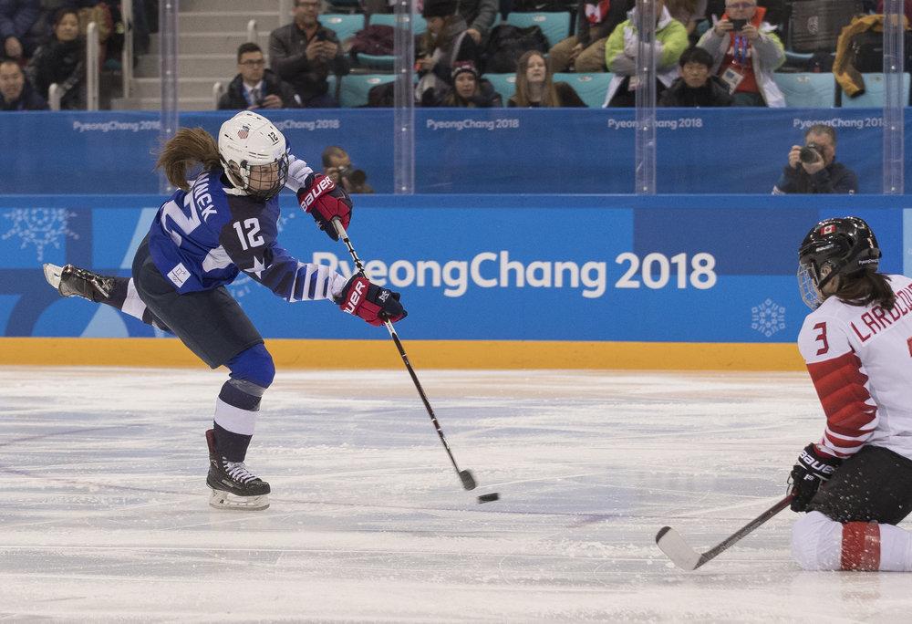 Kelly Pannek USA 2018 Gold Medal.JPG