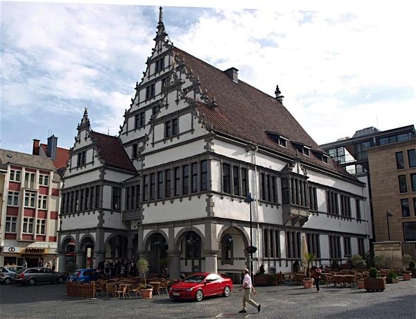 SHOPPING UND KULTUR IN Paderborn -