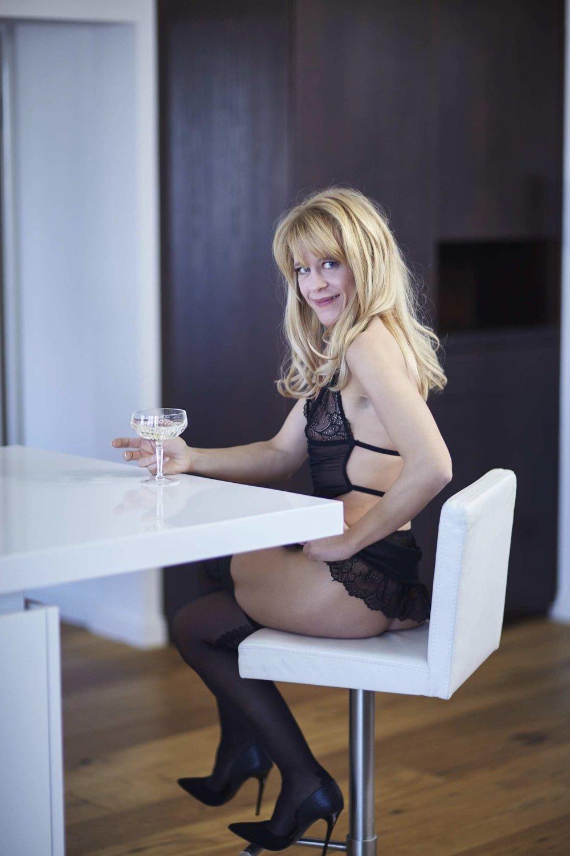 perfect-date-escort-deutschland-high-class-ladies-eva-limburg-lady-maja-001-pp.jpg