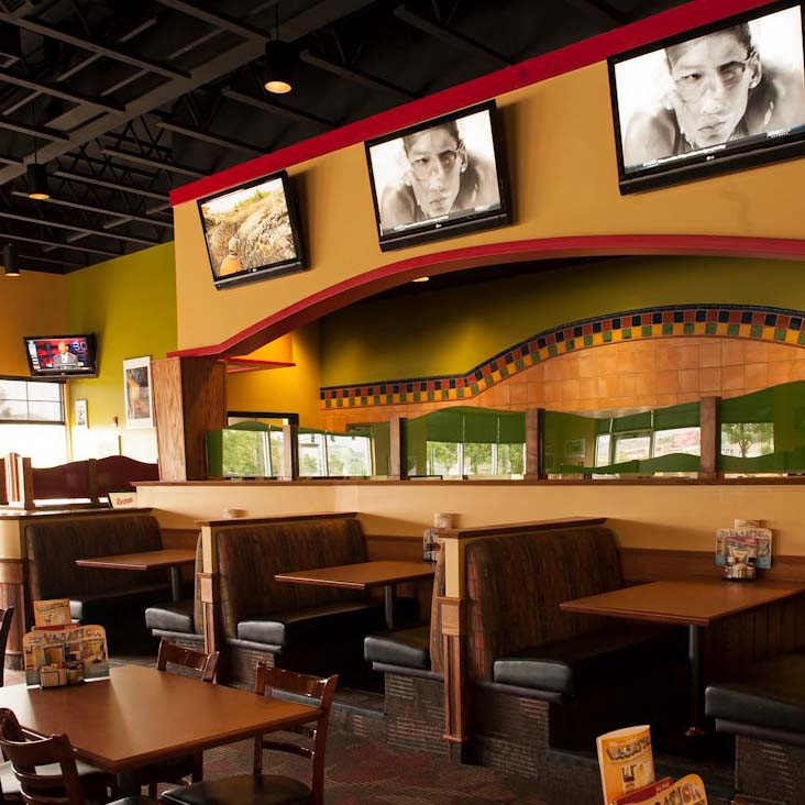 Bostons Dining Wide Angle TN.jpg