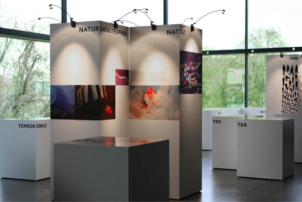 Signito_SwissRe_Ausstellung03.jpg