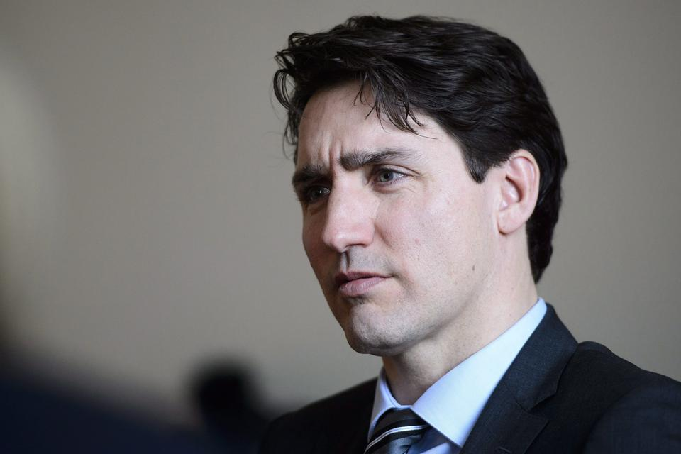 Justin Trudeau's government is just as unpopular as Harper's was in 2014 - VICE News,January 15 2018