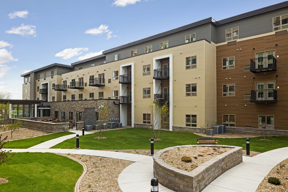 Yorkshire of Edina  96 Units - Edina, MN