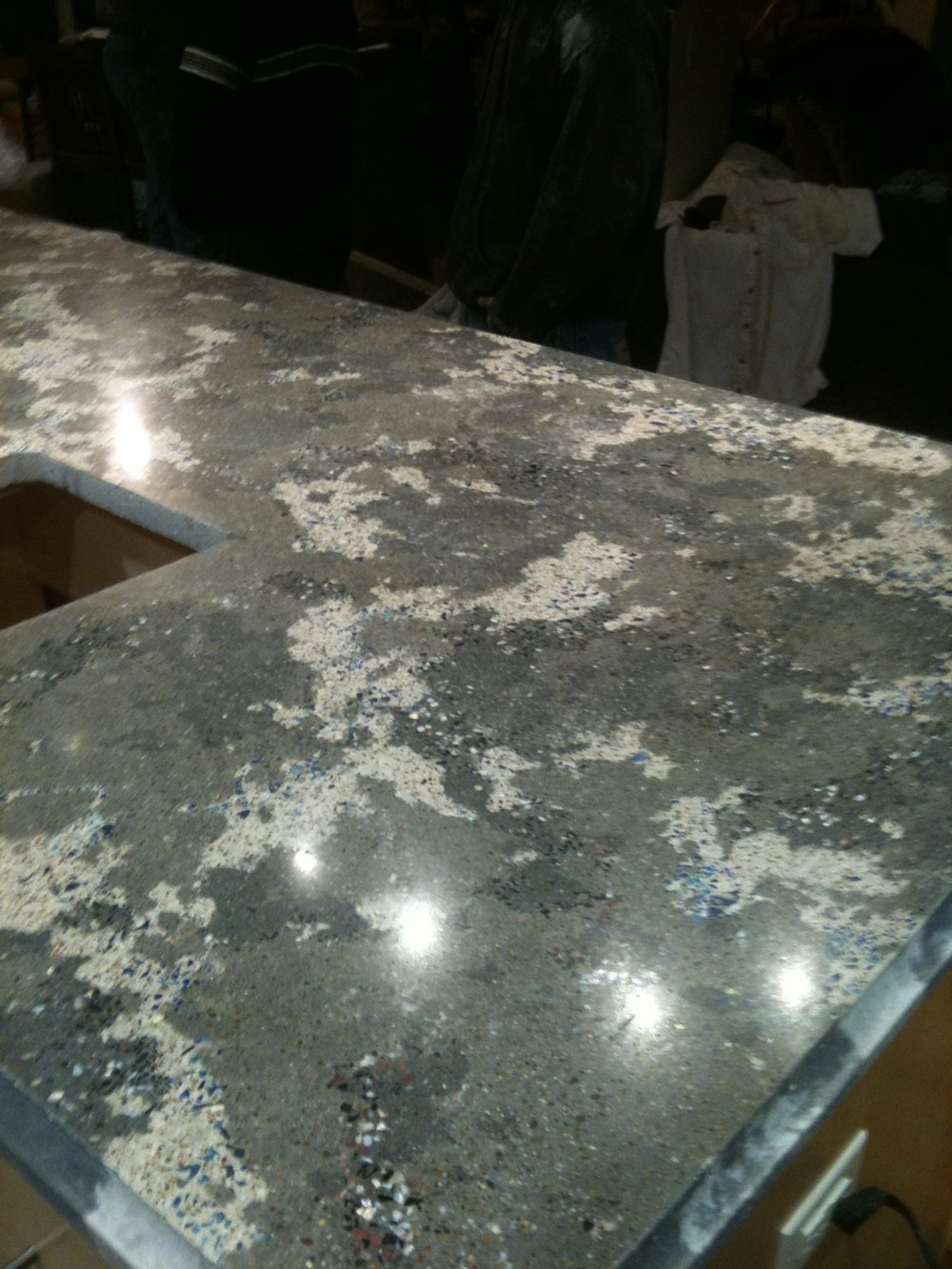 GLASS COUNTERTOP.JPG