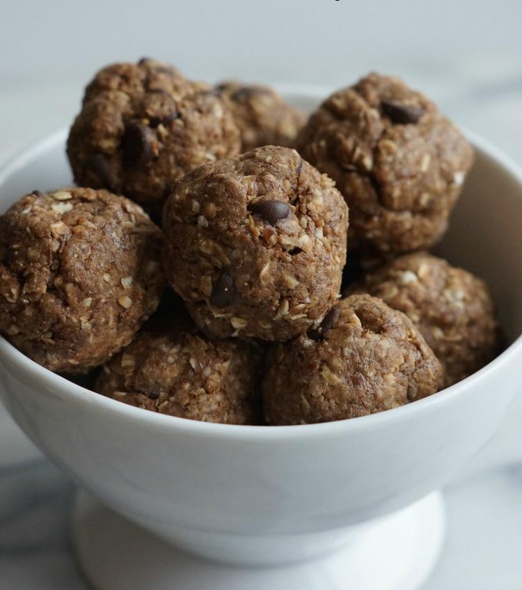 chocolate maple almond energy balls.jpg