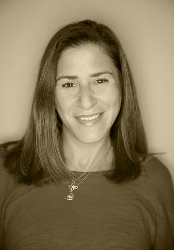 TRACEY MARX BERNSTEIN, Senior Content Producer   Tracey is an Emmy and Peabody Award-winning television producer and content creator.  With more than 10 years' experience in network news and non-fiction media, she is an expert storyteller. She also brings a wealth of experience in developing media for multiple digital platforms and honing a social media presence.  Tracey holds a degree in Journalism from University of Colorado at Boulder.