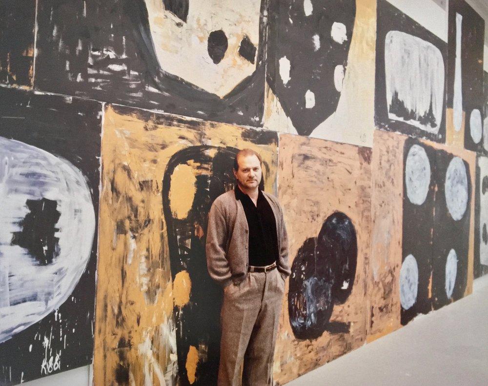 Kocherscheidt at his exhibition  Sommararbeit  at the Museum für Angewandte in Vienna, 1988.