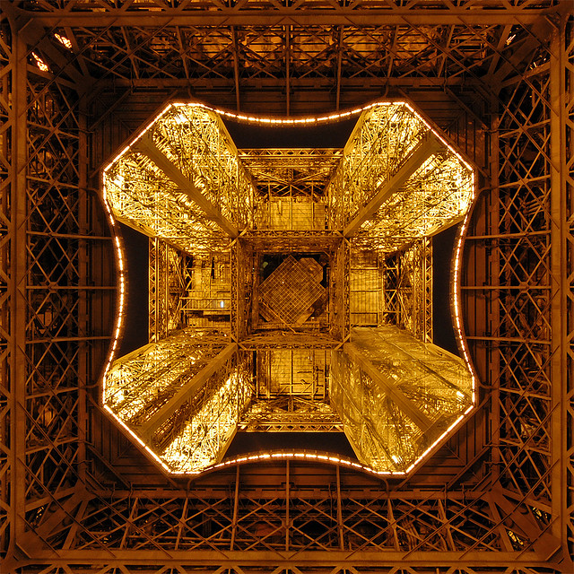 eiffel-tower-metal-frame-close-up-21.jpg