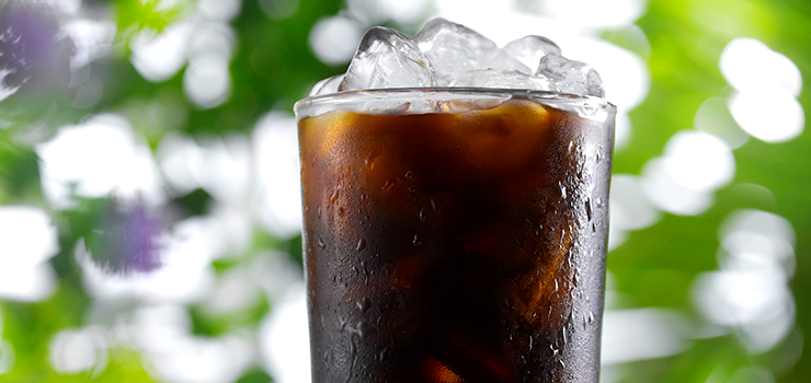D15-Black-Gold-Coffee-Iced_closeup.jpg