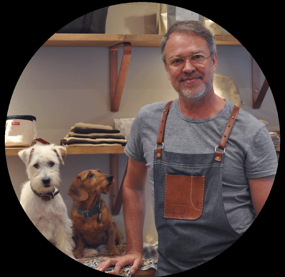 Ulf Bernström - mit seinen beiden HundenMac und Wifi