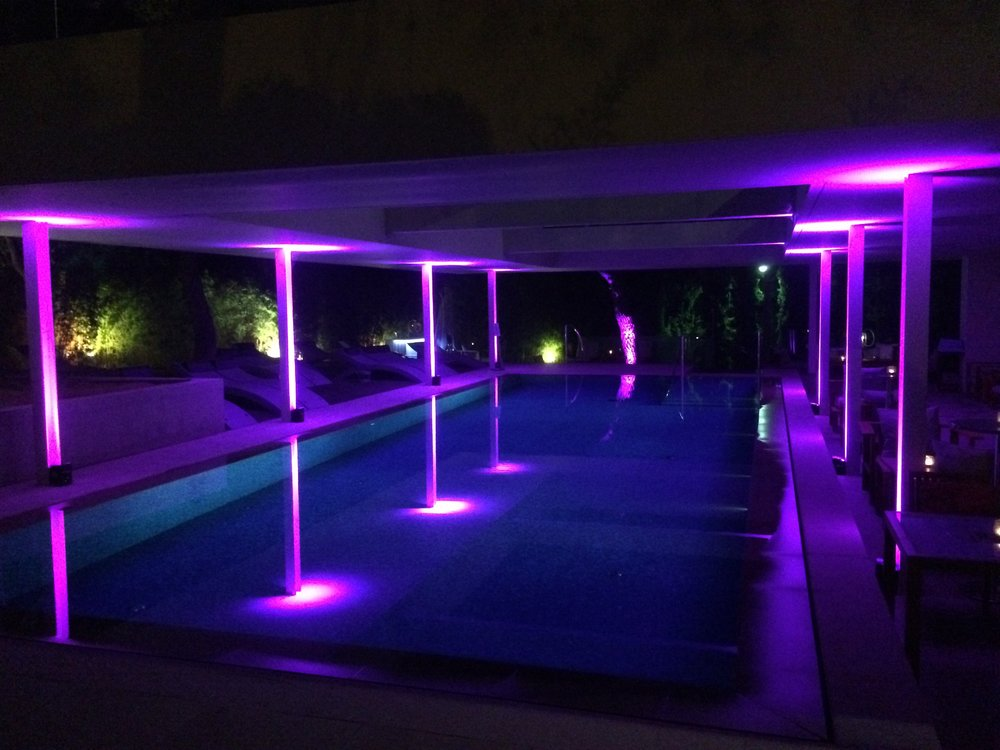 Wireless Uplighting - Life Gallery Athens Hotel and Spa