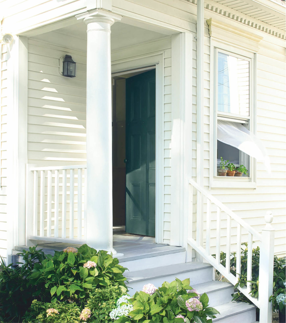 Cream_Exterior_with_Tarrytown_Green_Door.jpg