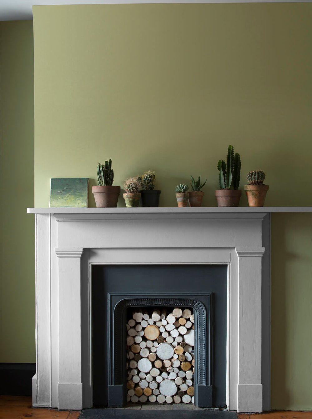 Fireplace_with_Green_Wall.jpg