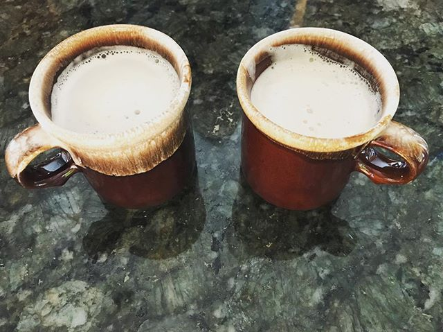 Cozy earl grey latte for two helps me slow down and enjoy the company of those closest to me. Food brings us together and sharing it shows you care! Thanks @thefirstmess . . #latte #cozy #earlgrey #comfort #family #friends #foodandfriends #friendsandfood #favorite #drinkingincalm #calm #rest #revive