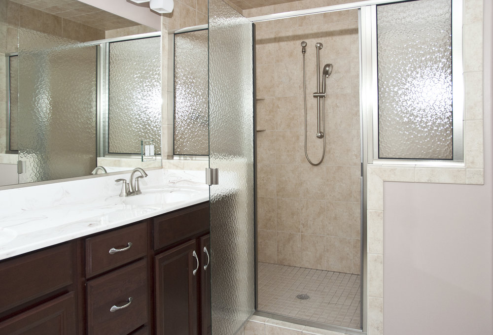 13 Jefferson St Master Bath 2.jpg