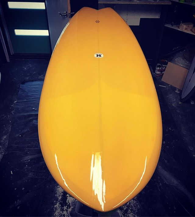 "🐅 5'8"" for @dessa_store #handshape #handcrafted #noosa #sunshinecoast #resincolor #gloss #twinfin"