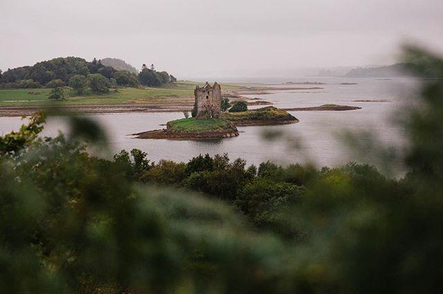 After an amazing trip I am finding myself missing the castle life. . . . . . #backtoreality #scotland #takemeback  #instapassport #aroundtheworldpix #ig_masterpiece #campinassp #flashesofdelight #travelog #mytinyatlas #visualmobs #theglobewanderer #aband0n_all_h0pe #grime_lords #glitz_n_grime #forgotten #ig_abandoned #urbanexploring #ig_captures_decay #passionpassport #beautyindecay #urbex_supreme #urbex_utopia #scotspirit #ig_scot  #visitscotland #loves_scotland #insta_scotland #justgoshoot #canonphotographer