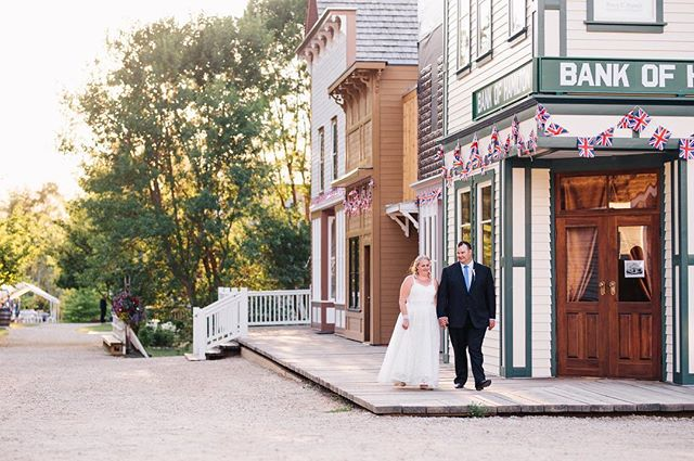 Spent the day frolicking through the R.J Haney Heritage Village with these two newlyweds and it was lovely 😊⛪️❤️