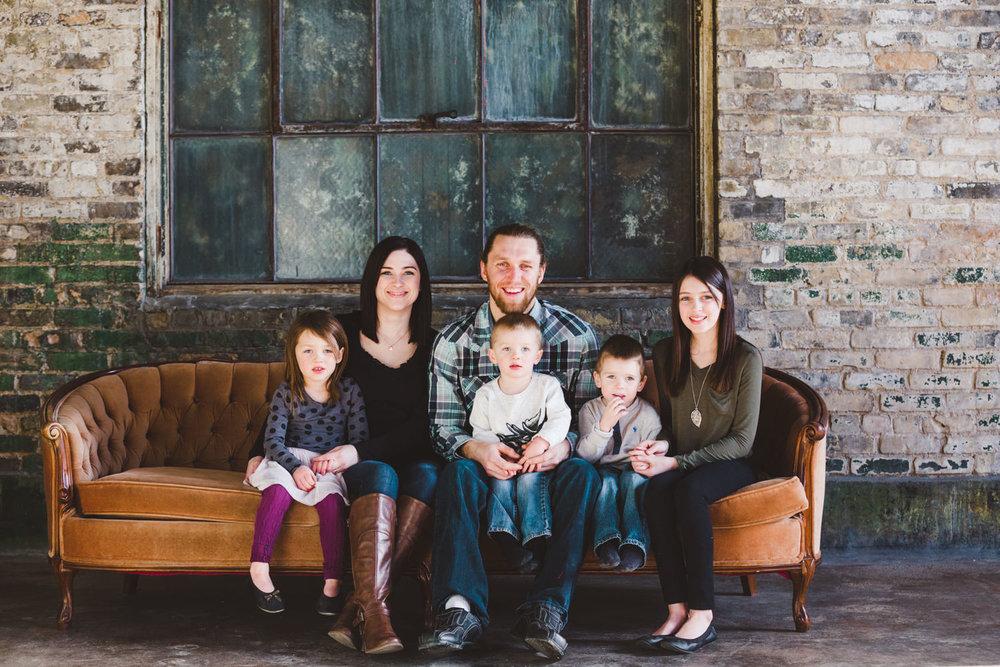 okanagan-family-photography-top-kelowna-family-photographer-large-family-photographer-julie-dorge (1 of 20).jpg
