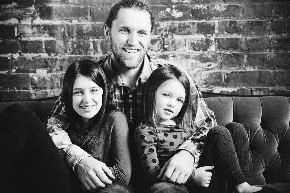 okanagan-family-photography-top-kelowna-family-photographer-large-family-photographer-julie-dorge (12 of 20).jpg