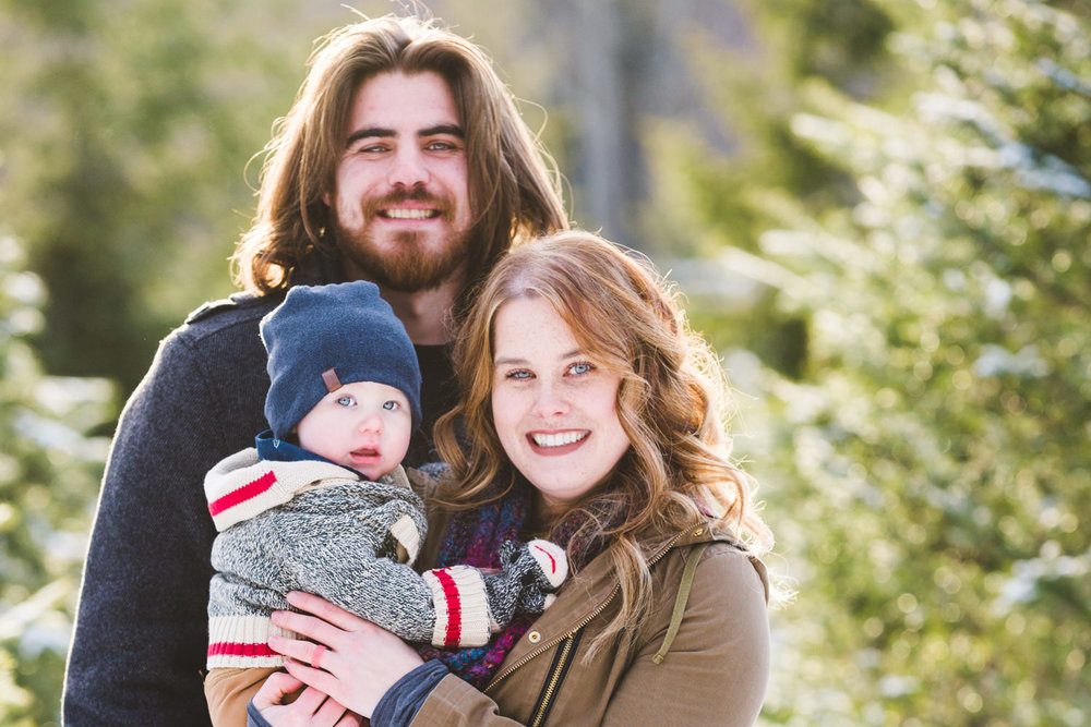 kelowna-christmas-tree-farm-family-photography-okanagan-winter-family-photographers-julie-dorge-photography (20 of 33).jpg
