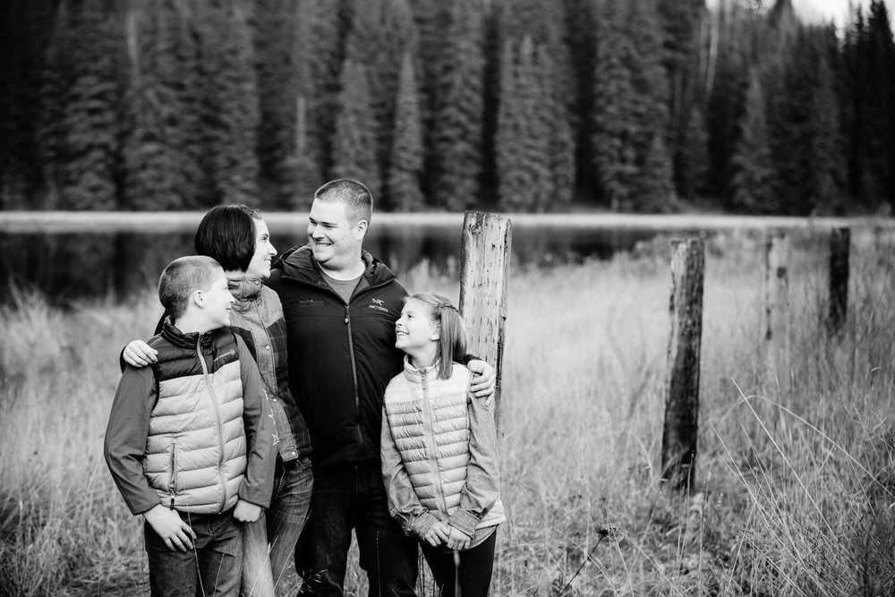 quesnel-family-photographers-quesnel-family-photography-cotton-wood-river-quesnel-bc-kelowna-photographer-julie-dorge (2 of 48).jpg