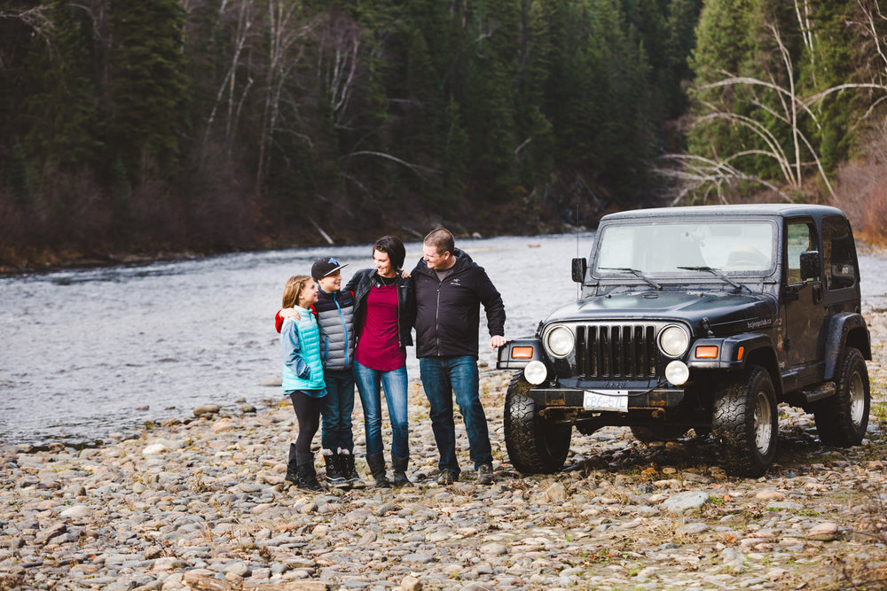 quesnel-family-photographers-quesnel-family-photography-cotton-wood-river-quesnel-bc-kelowna-photographer-julie-dorge (16 of 48).jpg