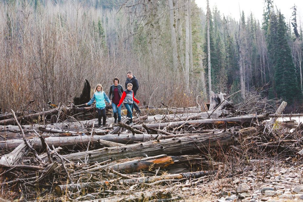 quesnel-family-photographers-quesnel-family-photography-cotton-wood-river-quesnel-bc-kelowna-photographer-julie-dorge (20 of 48).jpg