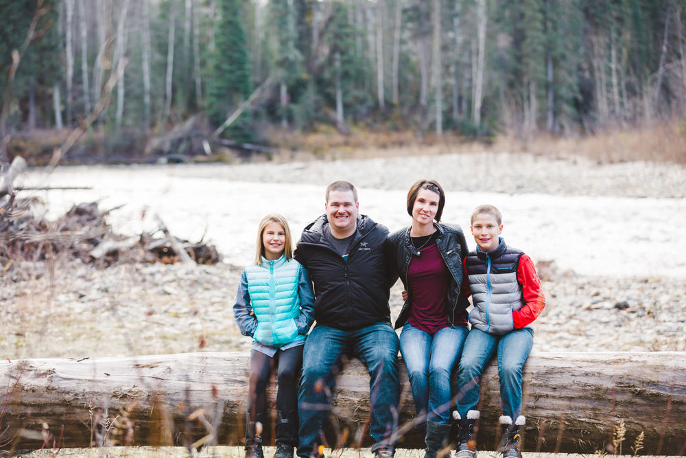 quesnel-family-photographers-quesnel-family-photography-cotton-wood-river-quesnel-bc-kelowna-photographer-julie-dorge (34 of 48).jpg