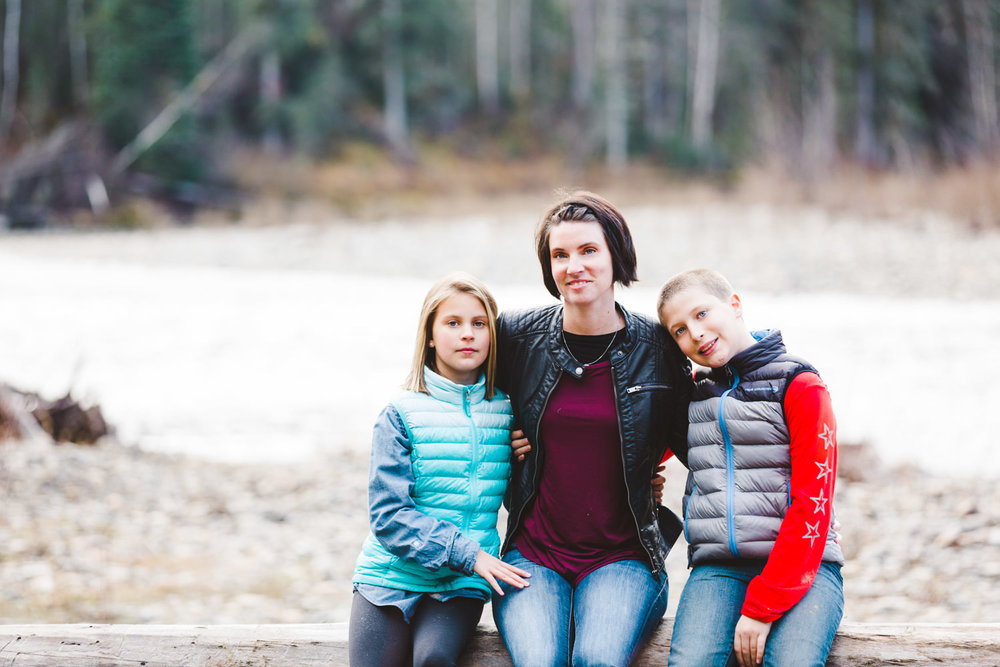 quesnel-family-photographers-quesnel-family-photography-cotton-wood-river-quesnel-bc-kelowna-photographer-julie-dorge (35 of 48).jpg