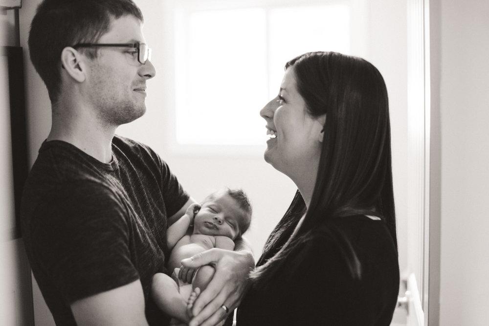 kelowna-lifestyle-newborn-photographers-okanagan-lifestyle-newborn-photography-quesnel-newborn-photographer-julie-dorge (15 of 44).jpg