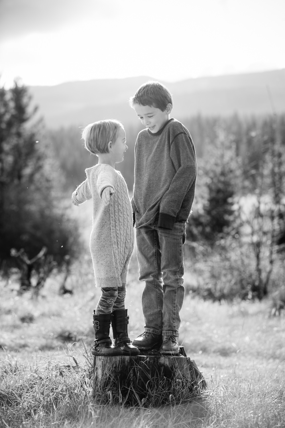kelowna-outdoor-family-photography-family-advernture-photographers-okanagan-bc-kids-photos-julie-dorge (8 of 58).jpg
