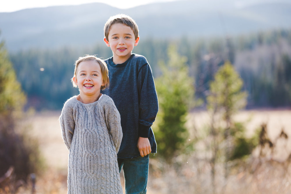 kelowna-outdoor-family-photography-family-advernture-photographers-okanagan-bc-kids-photos-julie-dorge (9 of 58).jpg