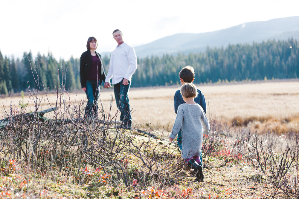 kelowna-outdoor-family-photography-family-advernture-photographers-okanagan-bc-kids-photos-julie-dorge (35 of 58).jpg